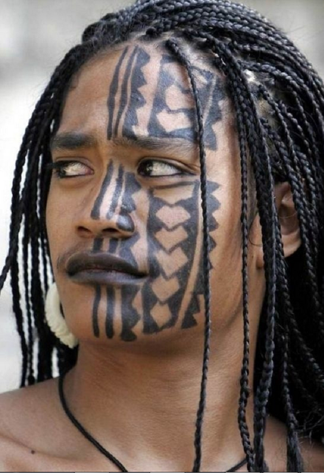 Maori Tribal Face Tattoo: 15 Awesome Tribal Face Tattoos