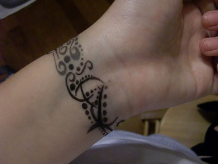22 Beautiful Tribal Wrist Tattoos | Only Tribal